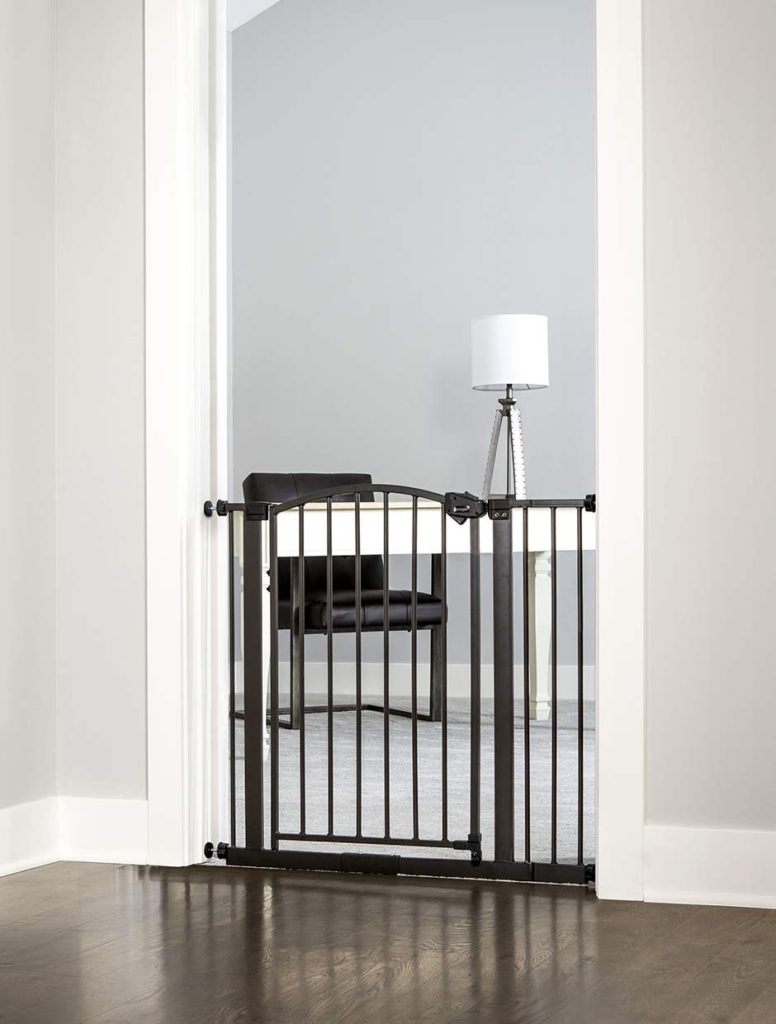 Regalo Easy Step Arched Décor Walk Thru Baby Gate